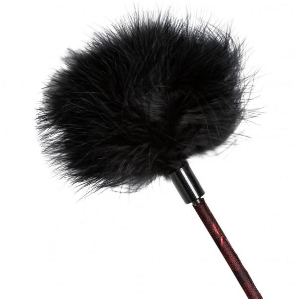 Scandal Feather Crop Piska  3