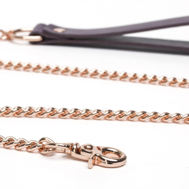 Fifty Shades Freed Cherished Collection Läderhalsband med Kedja